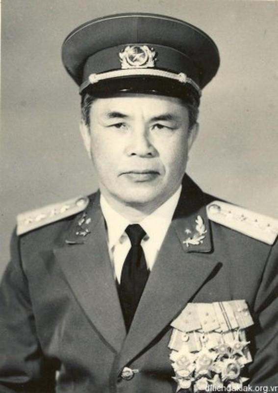 Chan dung 16 Dai tuong Quan doi Nhan dan Viet Nam tu truoc toi nay-Hinh-9