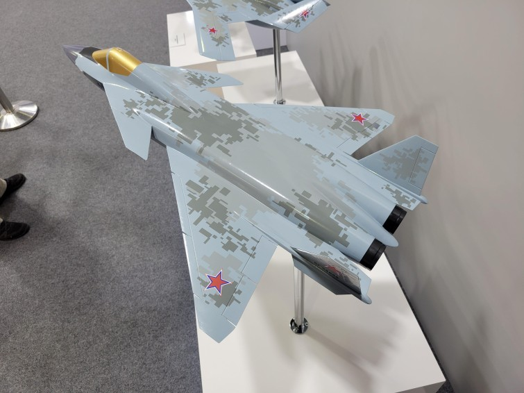 Nga tiep tuc gay soc tai MAKS 2021 voi tiem kich tang hinh bi an MiG-49-Hinh-3