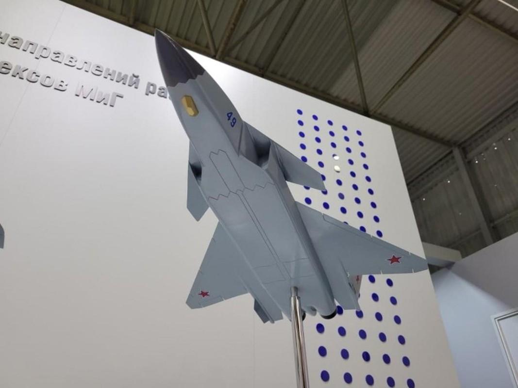 Nga tiep tuc gay soc tai MAKS 2021 voi tiem kich tang hinh bi an MiG-49-Hinh-6