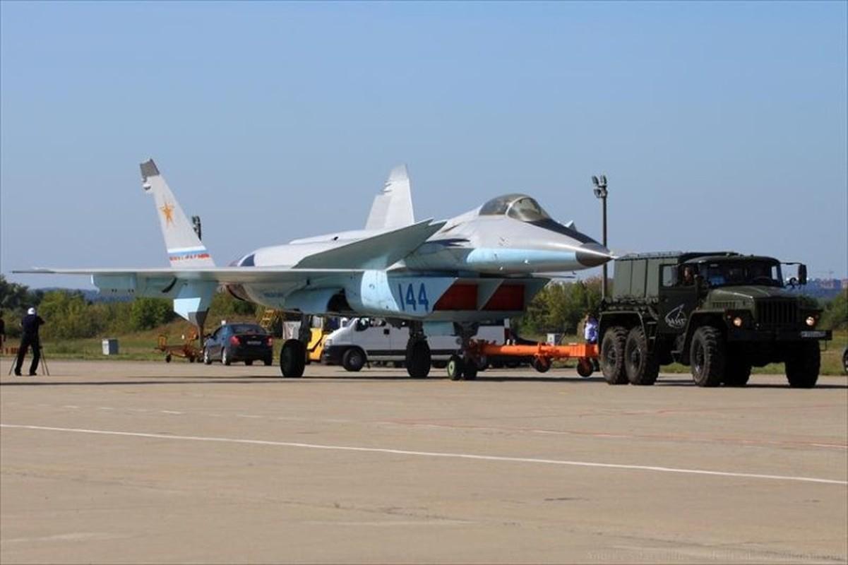 Nga tiep tuc gay soc tai MAKS 2021 voi tiem kich tang hinh bi an MiG-49-Hinh-9