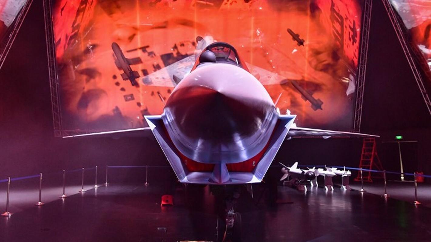 Tiem kich Su-75 Chieu Tuong: Nhat khen het loi, My so bi lan san-Hinh-10