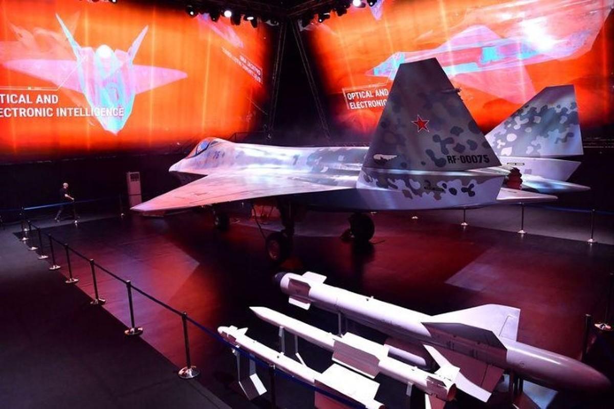 Nga gay bat ngo khi luoc bo vu khi toi quan trong tren Su-75-Hinh-2