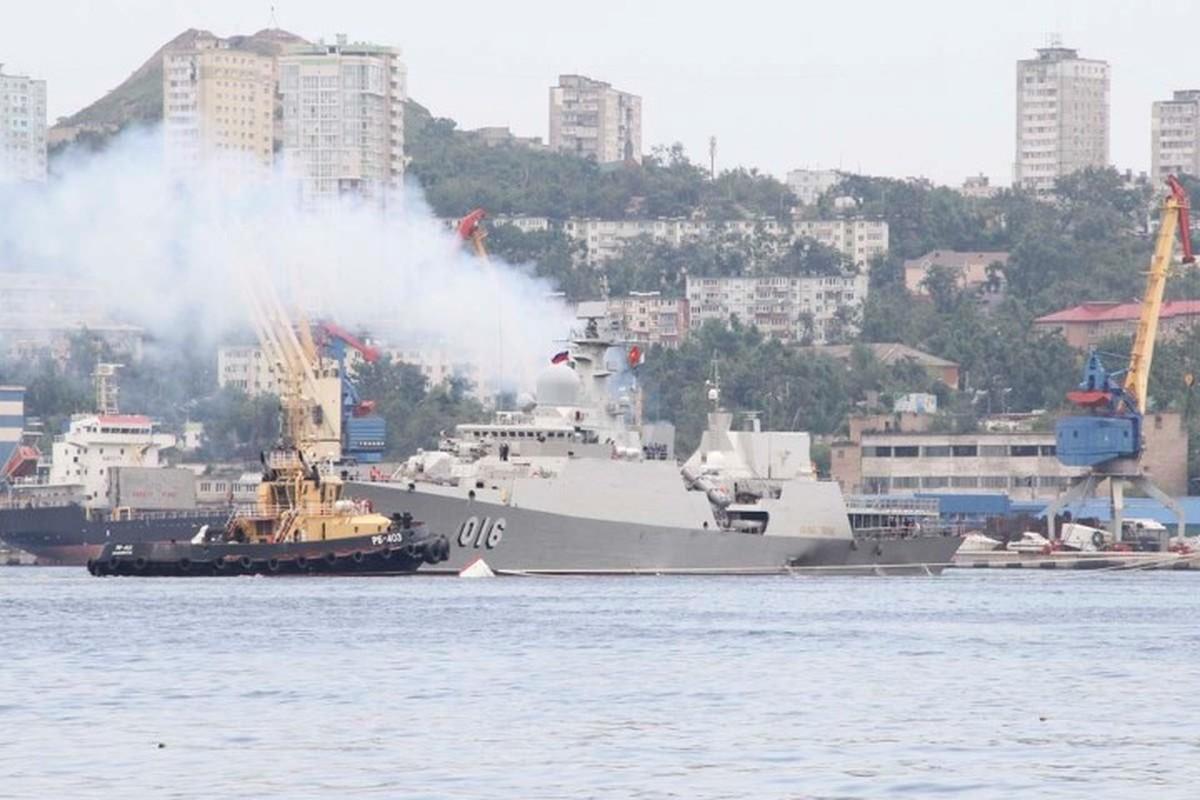 Tau ho ve Viet Nam dep lung linh trong le duyet binh tai Vladivostok-Hinh-12