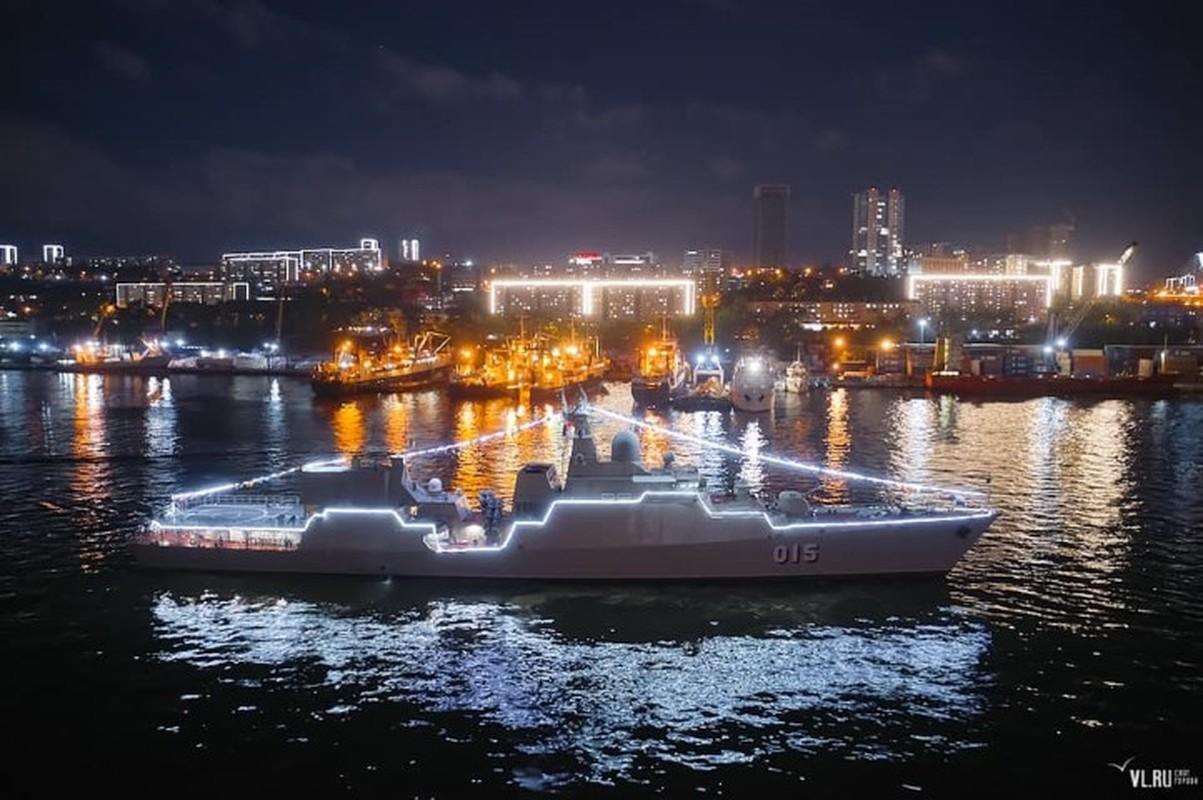 Tau ho ve Viet Nam dep lung linh trong le duyet binh tai Vladivostok-Hinh-2