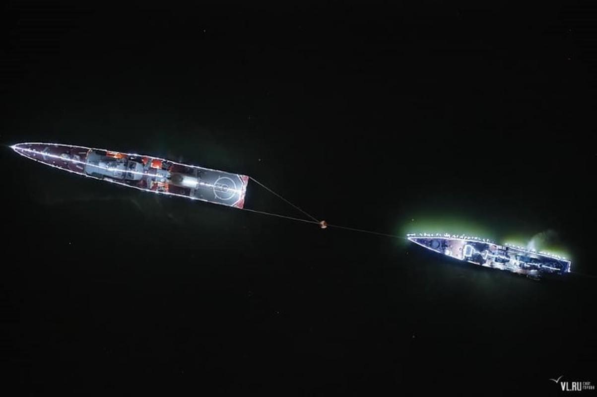Tau ho ve Viet Nam dep lung linh trong le duyet binh tai Vladivostok-Hinh-4
