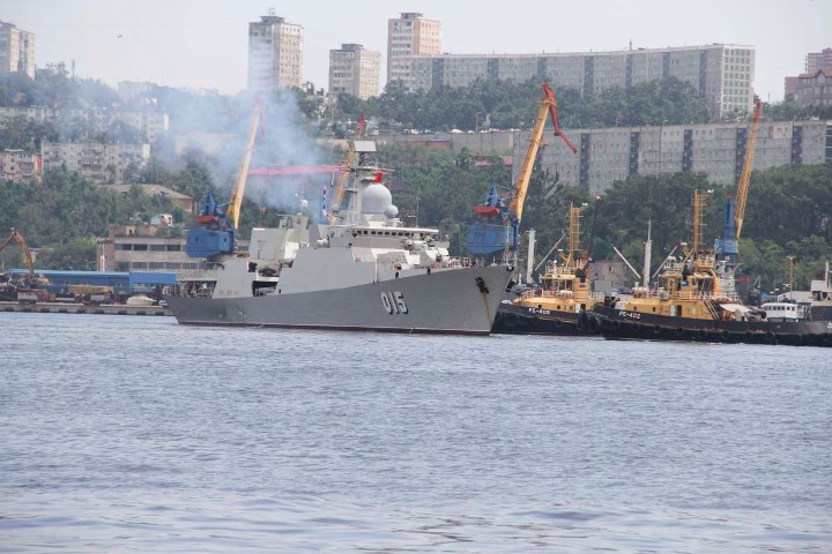 Tau ho ve Viet Nam dep lung linh trong le duyet binh tai Vladivostok-Hinh-9