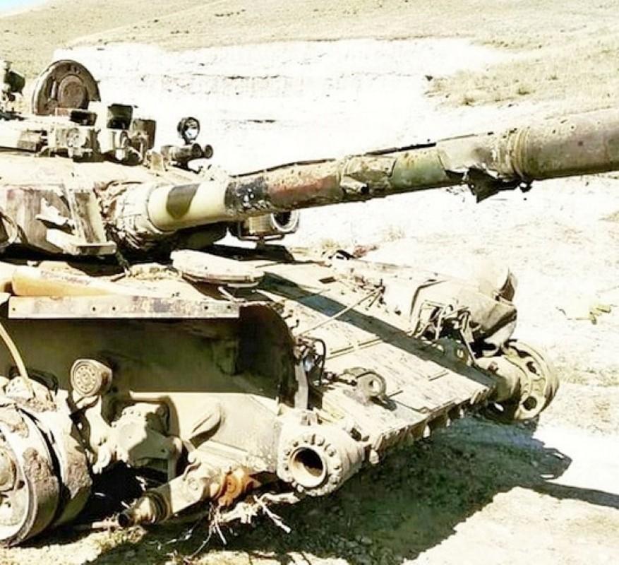 Soc: Phao binh Armenia nghien nat xe tang chu luc T-90 Azerbaijan-Hinh-10