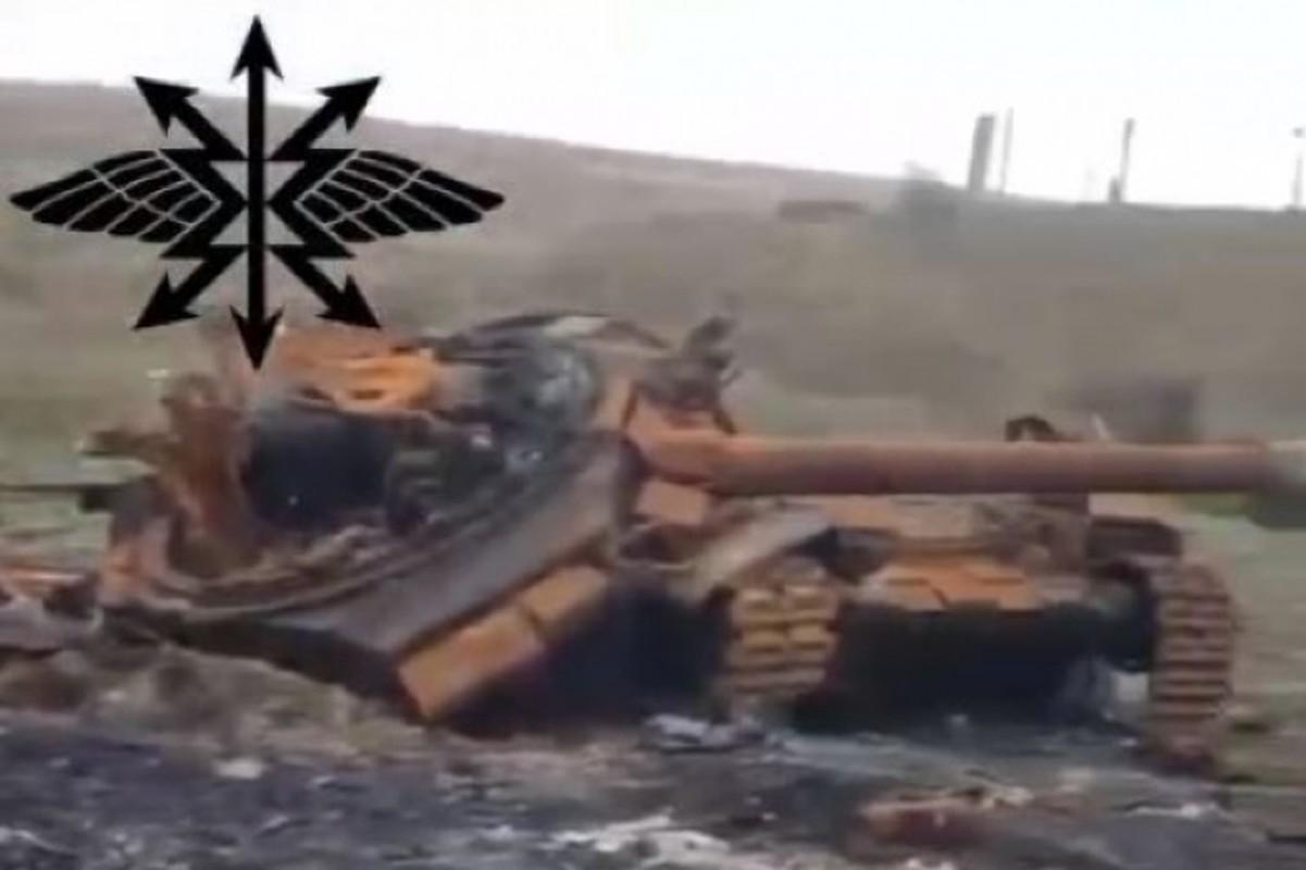 Soc: Phao binh Armenia nghien nat xe tang chu luc T-90 Azerbaijan