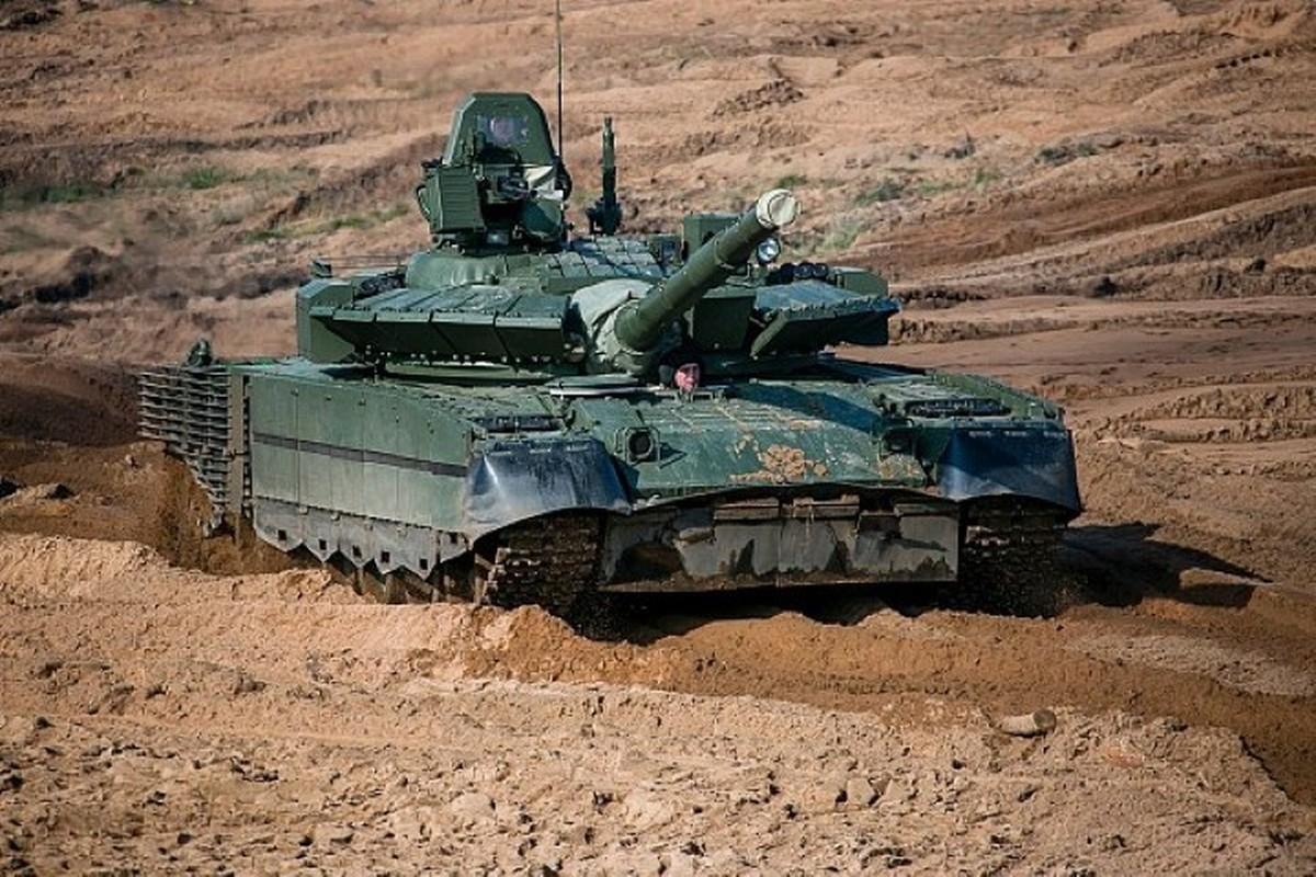Can canh nhung xe tang T-80BMV moi nhat Nga vua cho nhap bien-Hinh-11