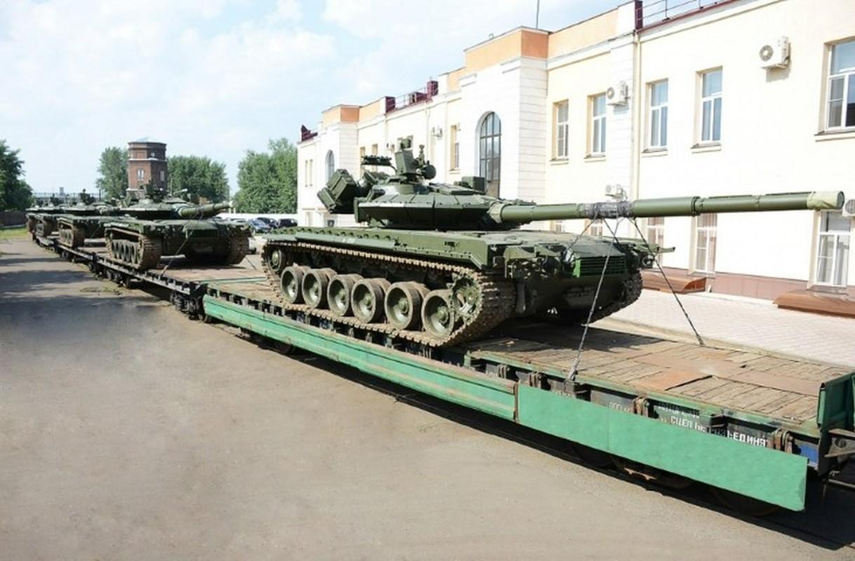 Can canh nhung xe tang T-80BMV moi nhat Nga vua cho nhap bien-Hinh-2