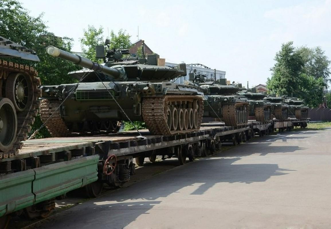 Can canh nhung xe tang T-80BMV moi nhat Nga vua cho nhap bien-Hinh-3