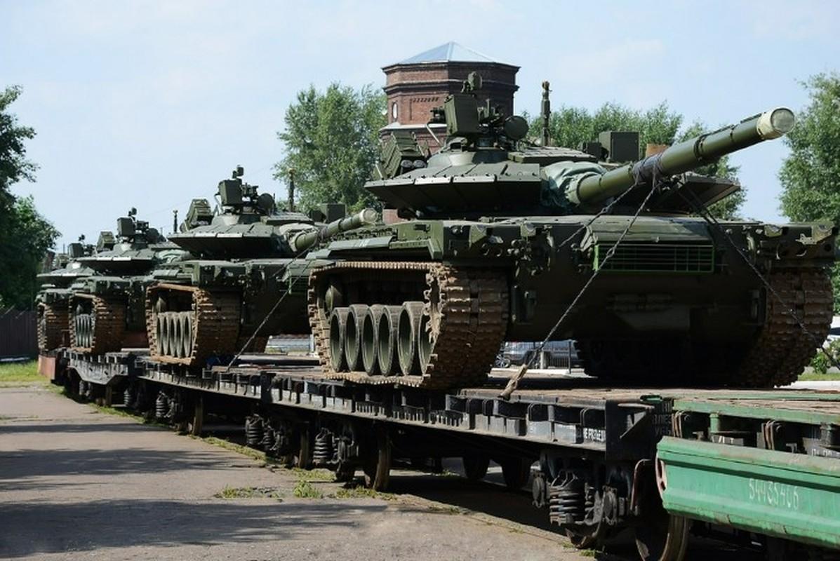 Can canh nhung xe tang T-80BMV moi nhat Nga vua cho nhap bien