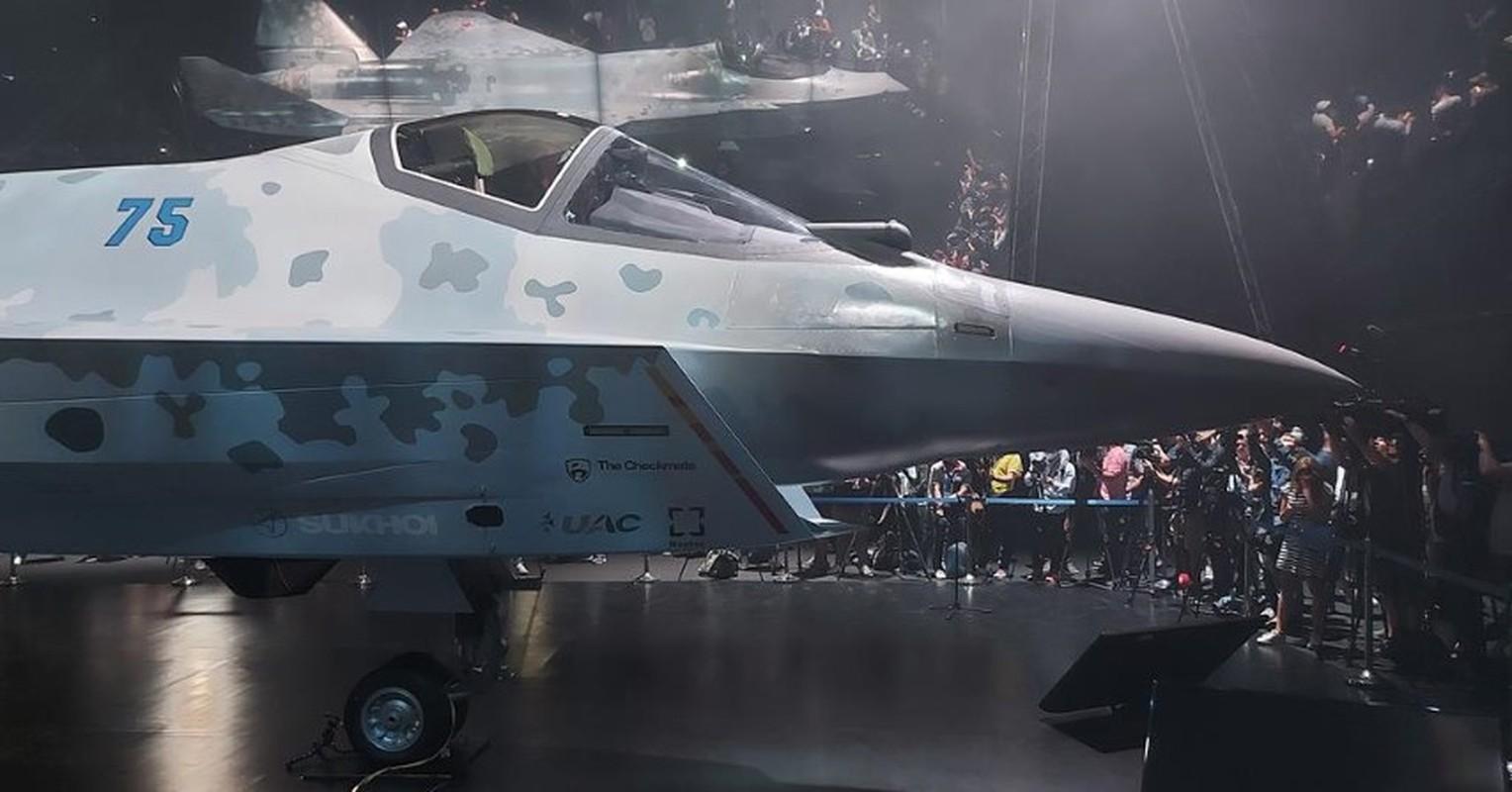 Tiem kich Su-75: Moi ra mat 1 tuan da nhieu nguoi hoi mua-Hinh-6
