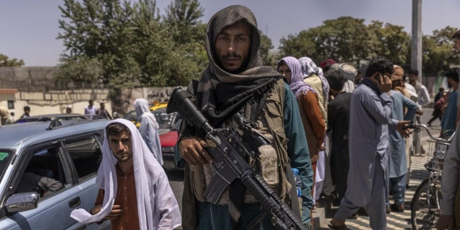 Taliban terrorist with M4