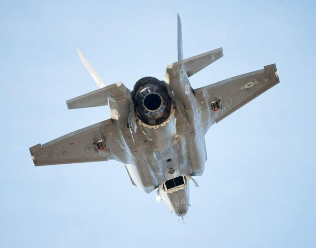 Can canh tung goc canh cua tiem kich F-35B khi cat canh-Hinh-12