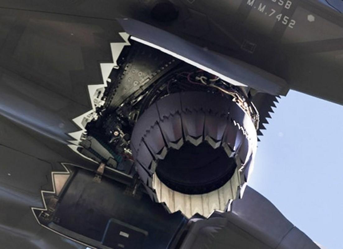 Can canh tung goc canh cua tiem kich F-35B khi cat canh-Hinh-6