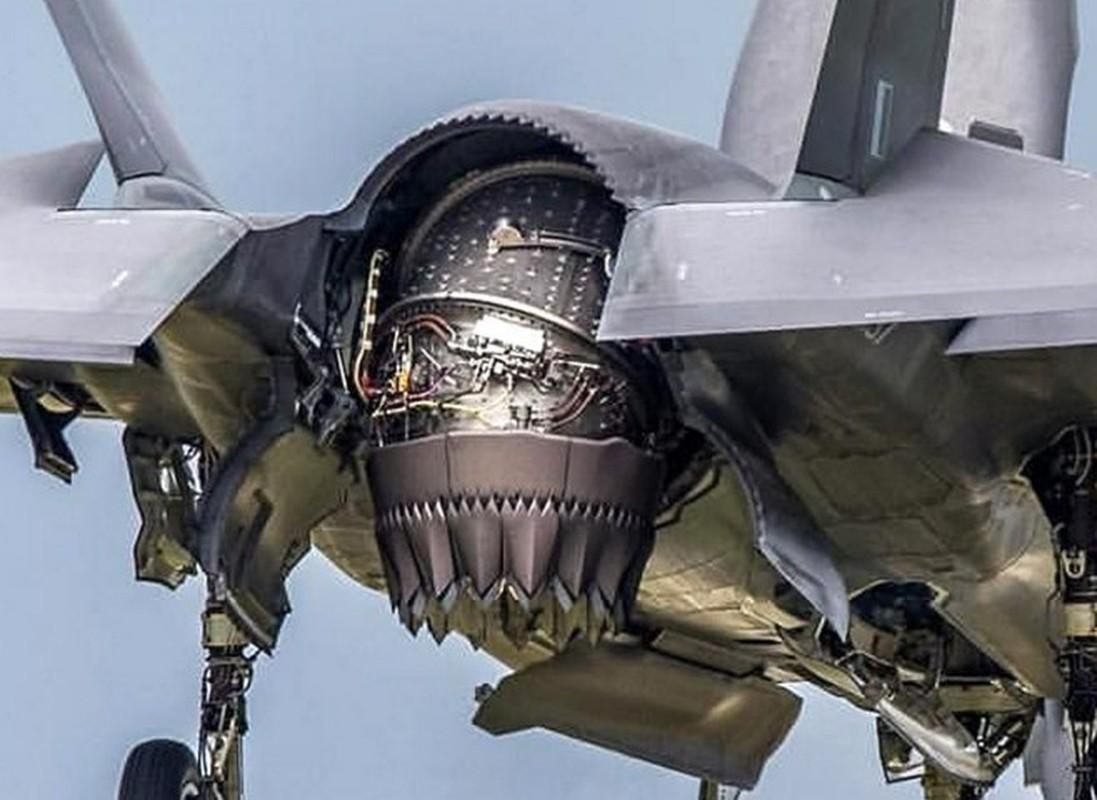 Can canh tung goc canh cua tiem kich F-35B khi cat canh-Hinh-7
