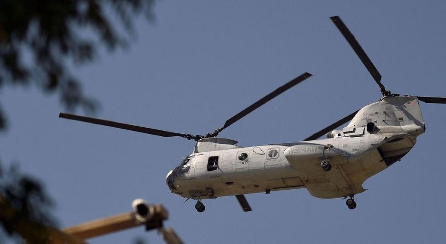 My pha huy 7 truc thang CH-46E sau khi chung buoc phai bo lai Kabul-Hinh-12