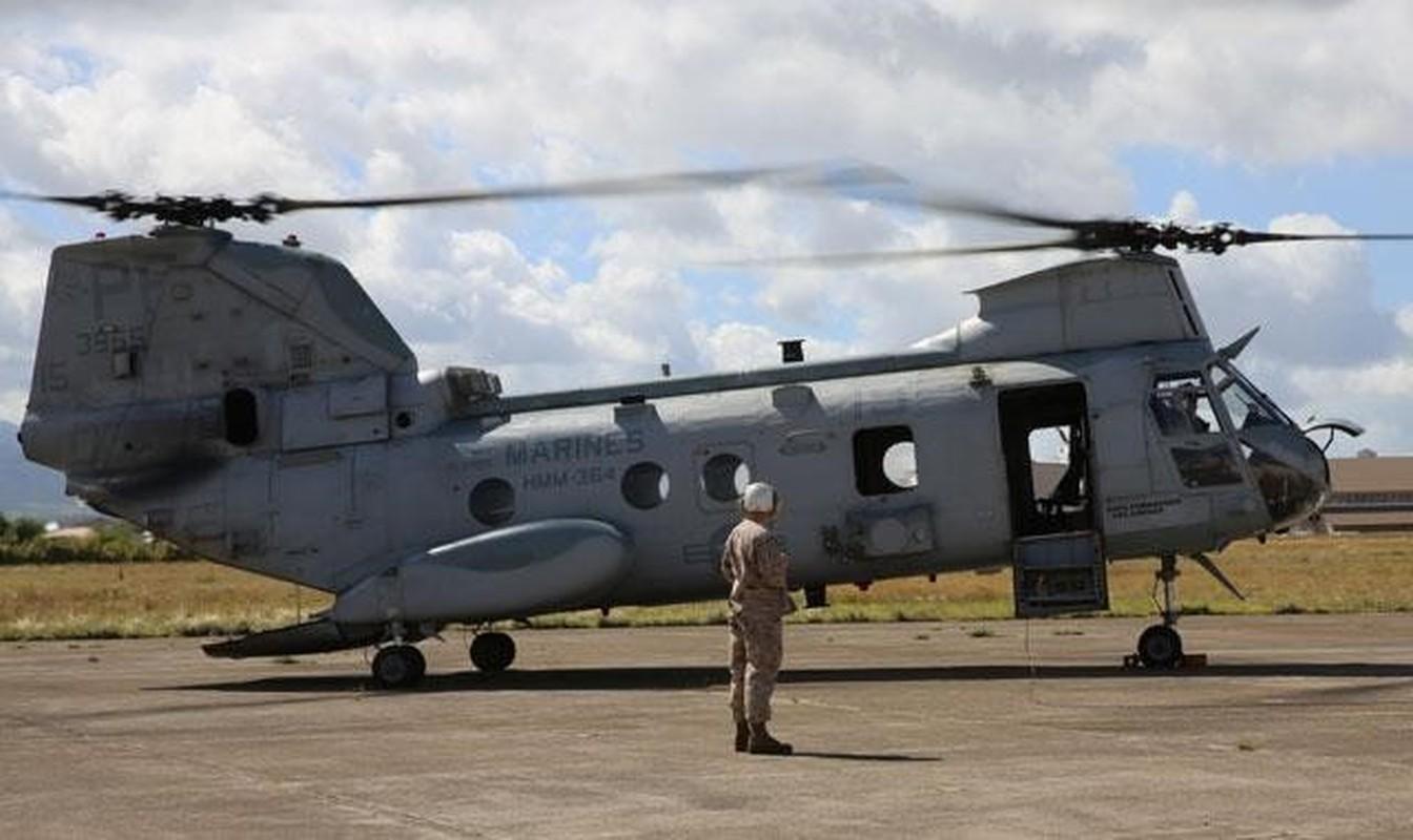 My pha huy 7 truc thang CH-46E sau khi chung buoc phai bo lai Kabul-Hinh-13