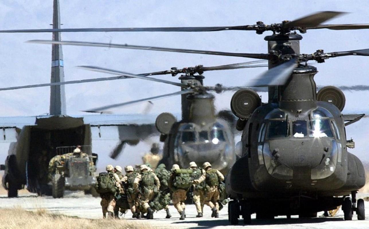 My pha huy 7 truc thang CH-46E sau khi chung buoc phai bo lai Kabul-Hinh-15