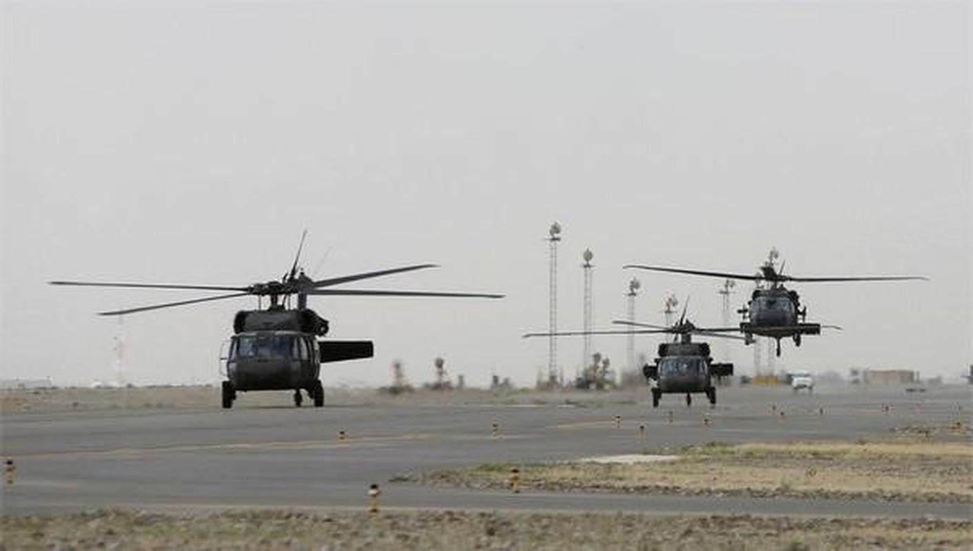 My pha huy 7 truc thang CH-46E sau khi chung buoc phai bo lai Kabul-Hinh-19