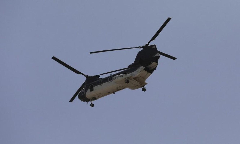 My pha huy 7 truc thang CH-46E sau khi chung buoc phai bo lai Kabul-Hinh-7