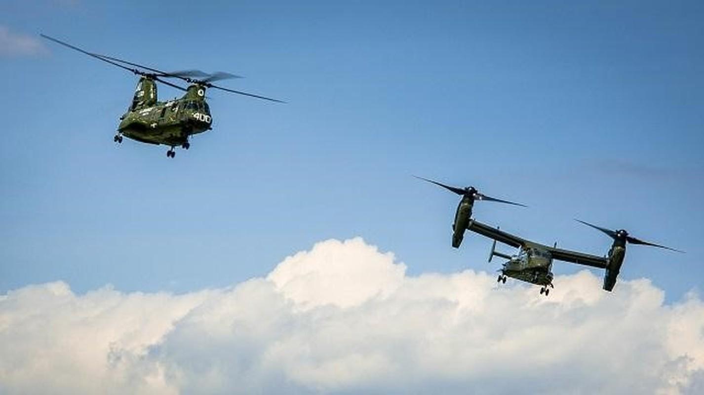 My pha huy 7 truc thang CH-46E sau khi chung buoc phai bo lai Kabul-Hinh-8