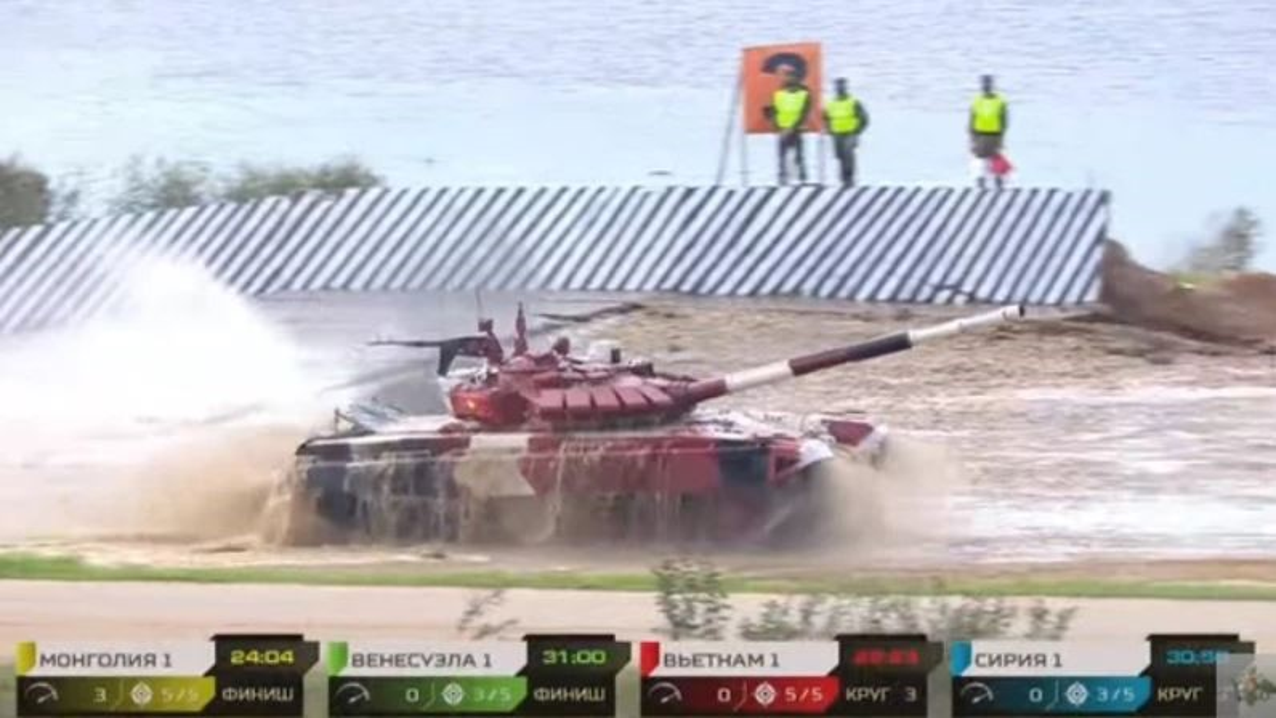 Tank Biathlon: Xe tang Viet Nam ve nhi, bia chua hien da ban trung-Hinh-10