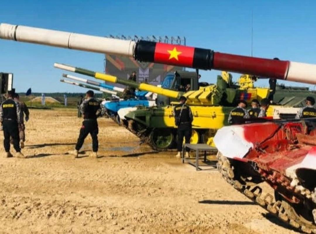 Tank Biathlon: Xe tang Viet Nam ve nhi, bia chua hien da ban trung-Hinh-2