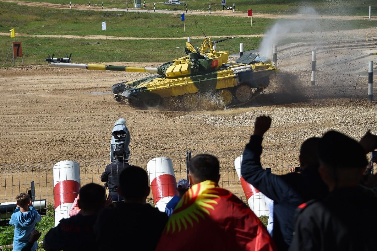 Tank Biathlon 2021: Nhung hinh anh an tuong ngay dau Viet Nam ra quan-Hinh-14