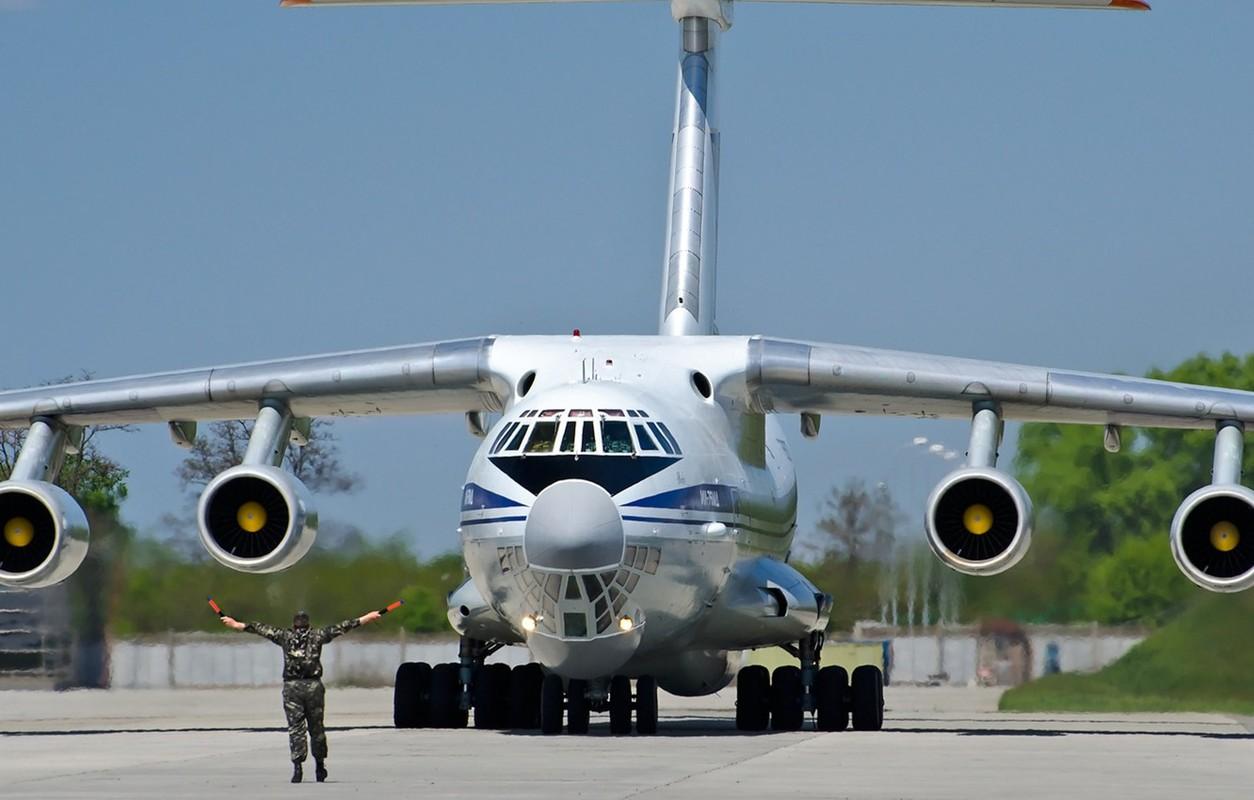 Phi cong Ukraine trom van tai co Il-76 o Afghanistan bay sang Iran ban-Hinh-5