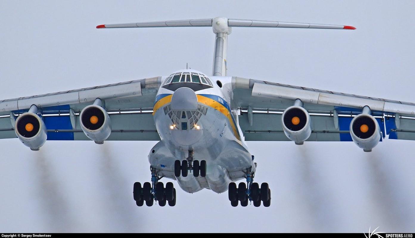 Phi cong Ukraine trom van tai co Il-76 o Afghanistan bay sang Iran ban-Hinh-7