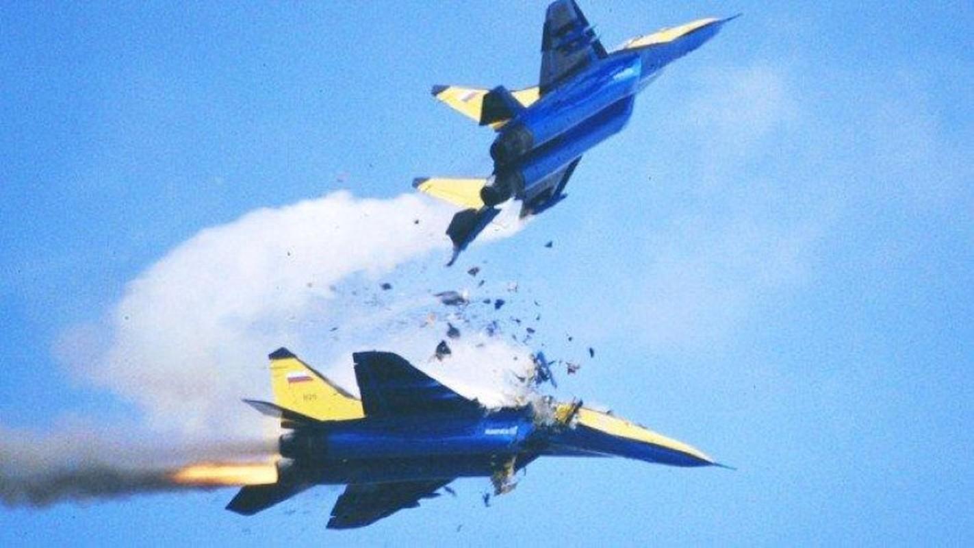Tham hoa thang 8 tiep dien: Them MiG-29 cua Nga bi chay gan Astrakhan-Hinh-2