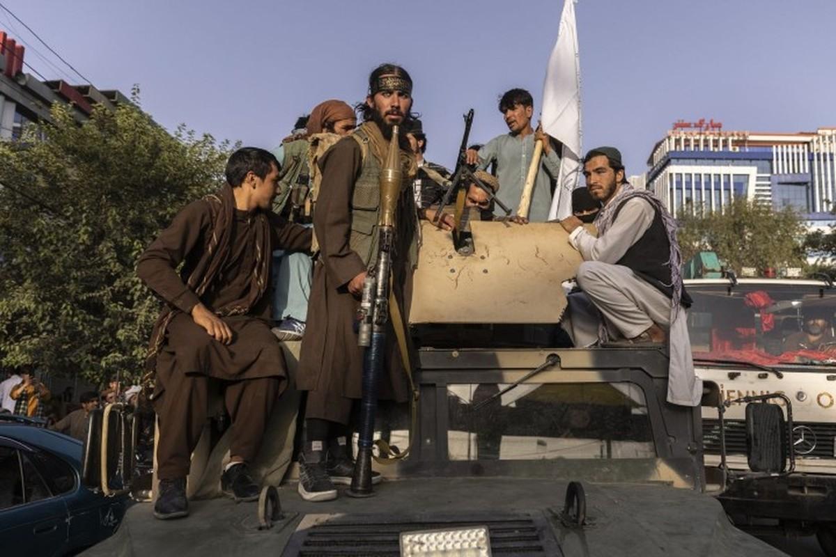 Lo Taliban tran qua bien gioi, linh Nga o Tajikistan trang bi gap Kornet-Hinh-5