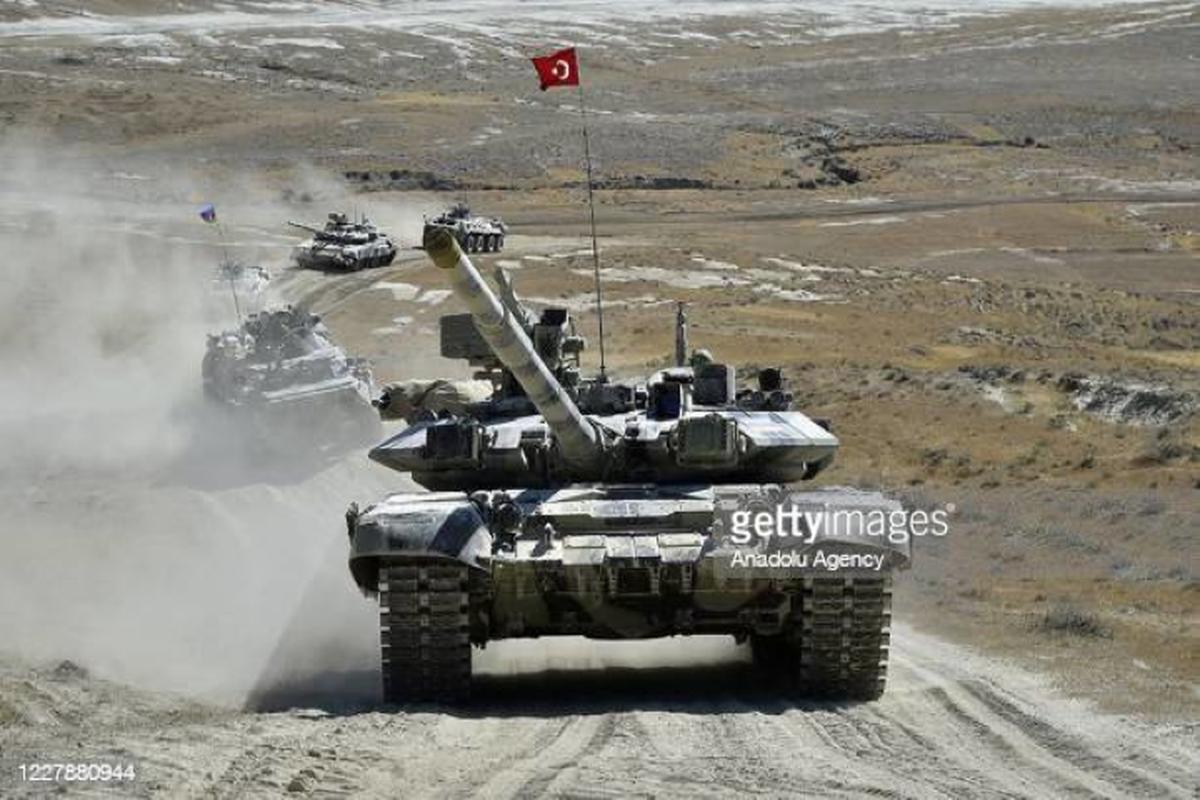 Nong: Azerbaijan bat ngo bao vay cao toc cua Armenia-Hinh-11
