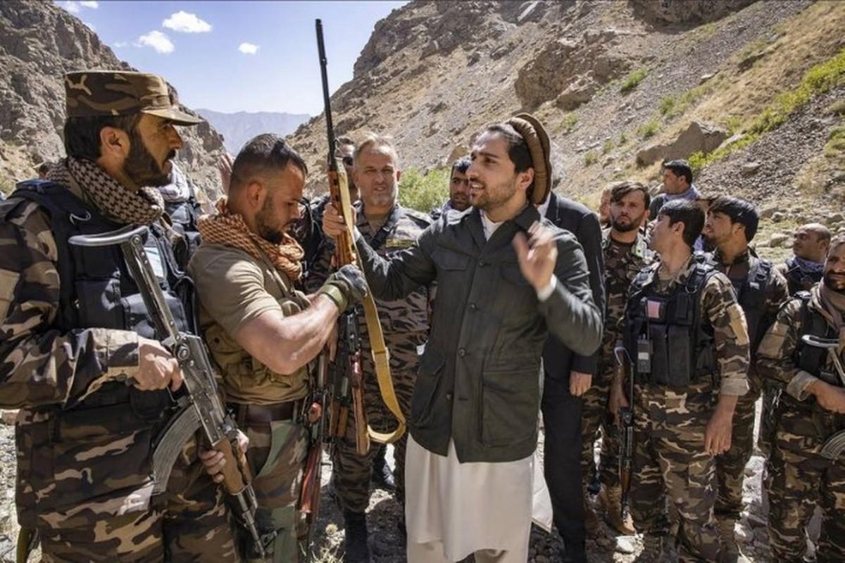 Quan khang chien Afghanistan bat ngo yeu cau tro giup tu Nga-Hinh-10