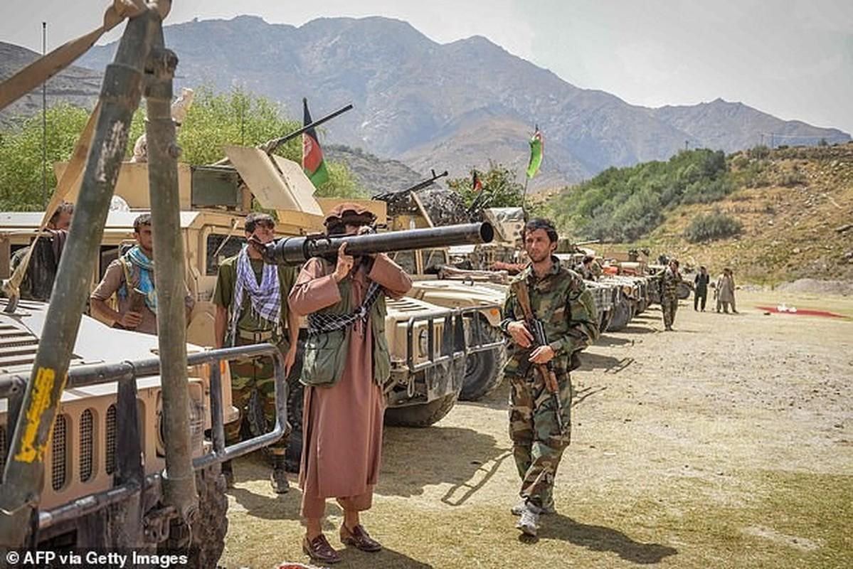 Quan khang chien Afghanistan bat ngo yeu cau tro giup tu Nga-Hinh-12