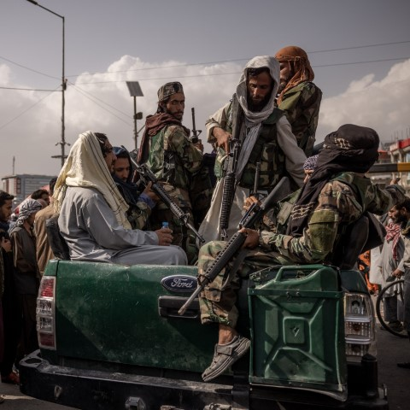 Quan khang chien Afghanistan bat ngo yeu cau tro giup tu Nga-Hinh-4