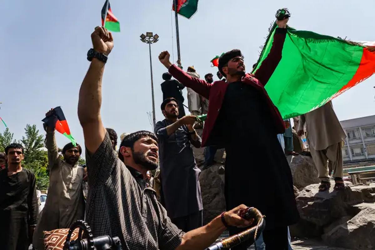 Quan khang chien Afghanistan bat ngo yeu cau tro giup tu Nga-Hinh-6