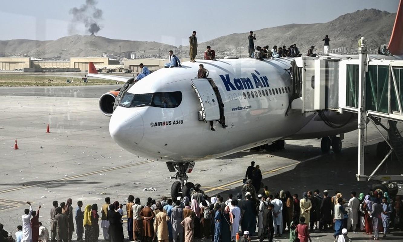 Khung bo IS dang co ban ha may bay so tan khoi Kabul-Hinh-12