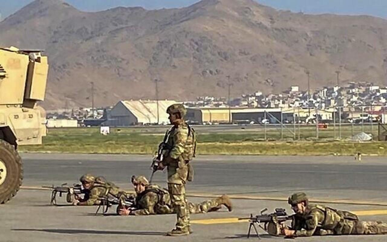 5 qua ten lua phong vao phi truong Kabul da bi My danh chan-Hinh-3