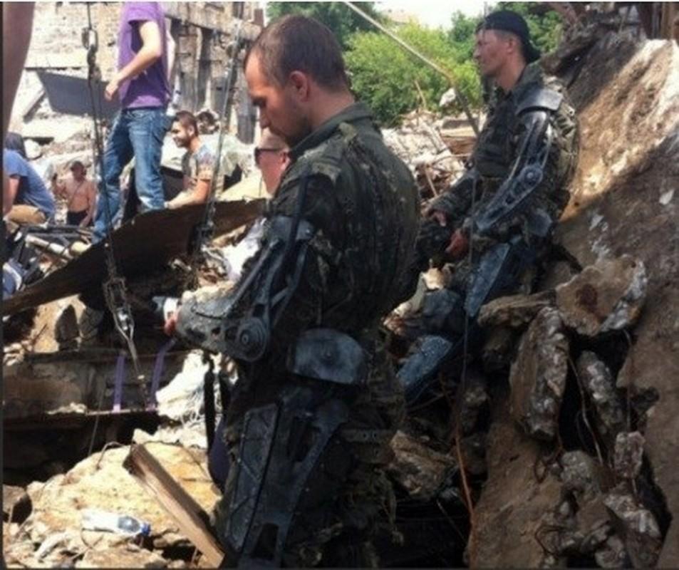 Soc: Quan nhan Nga mang khung xuong tro luc toi Syria thu nghiem-Hinh-2