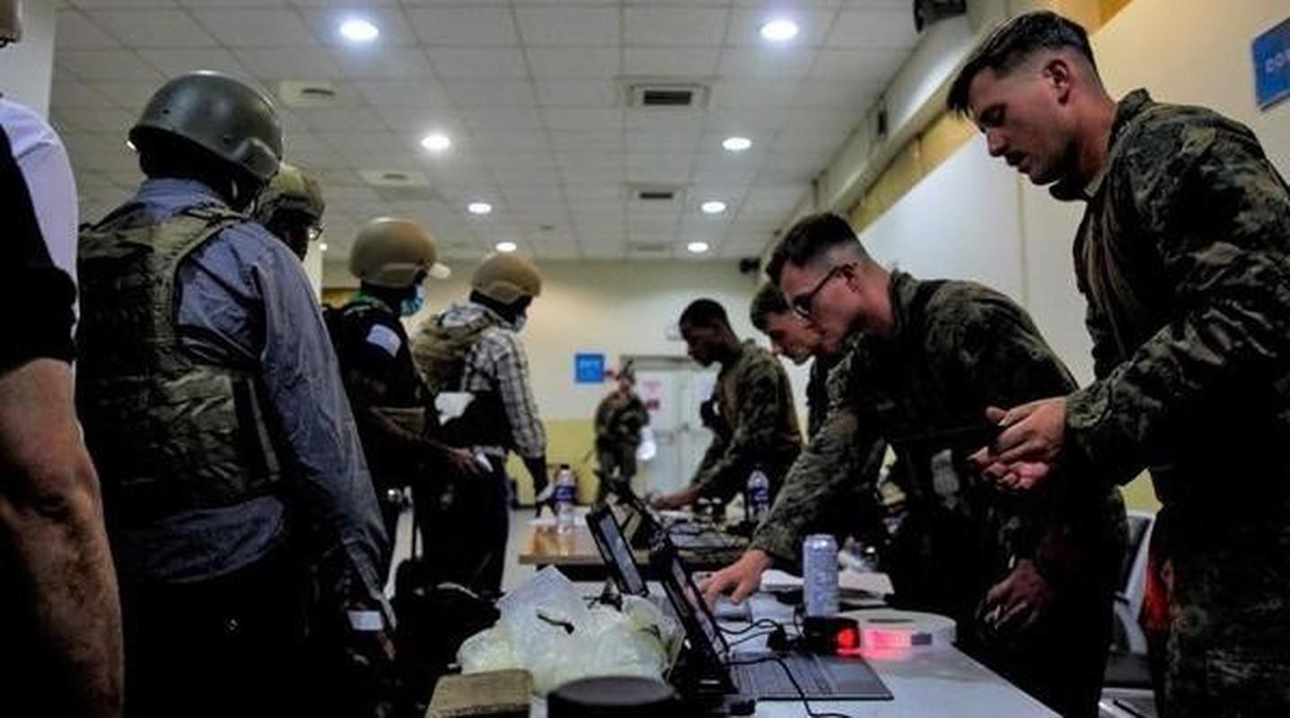 Bat ngo: Linh Afghanistan se 'chan hau' khi My rut khoi san bay Kabul-Hinh-7