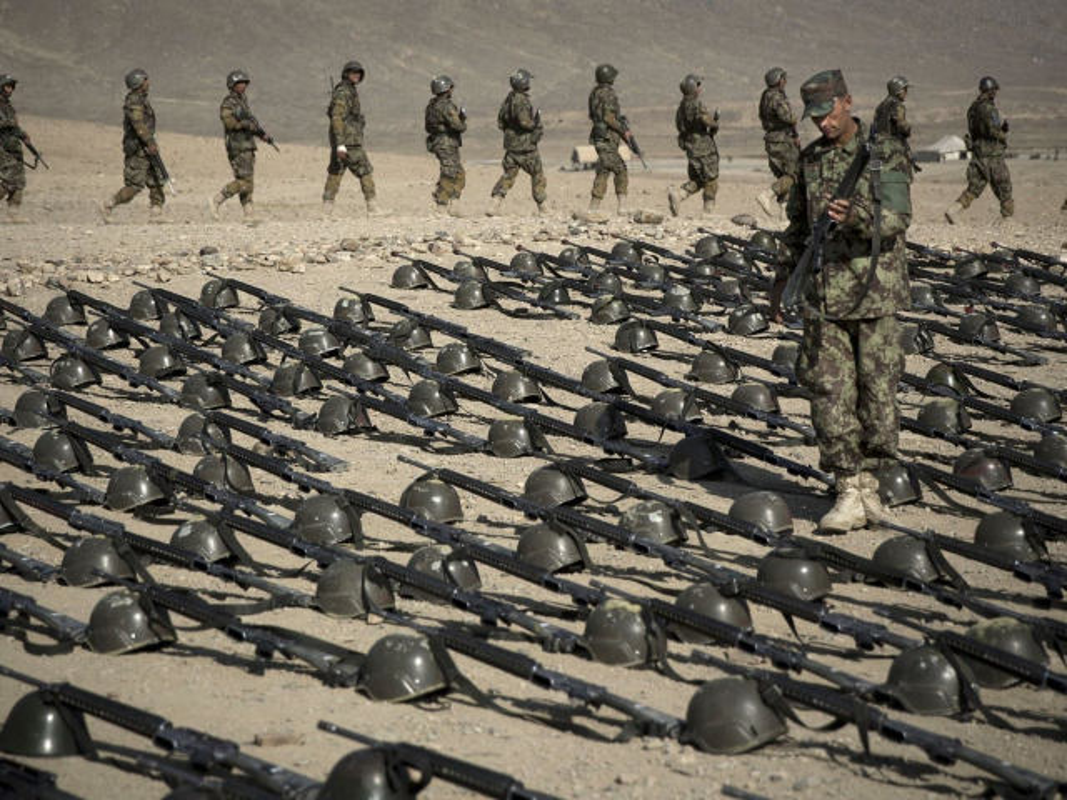 Taliban se kiem duoc hang chuc ty USD nho xuat khau vu khi My-Hinh-11