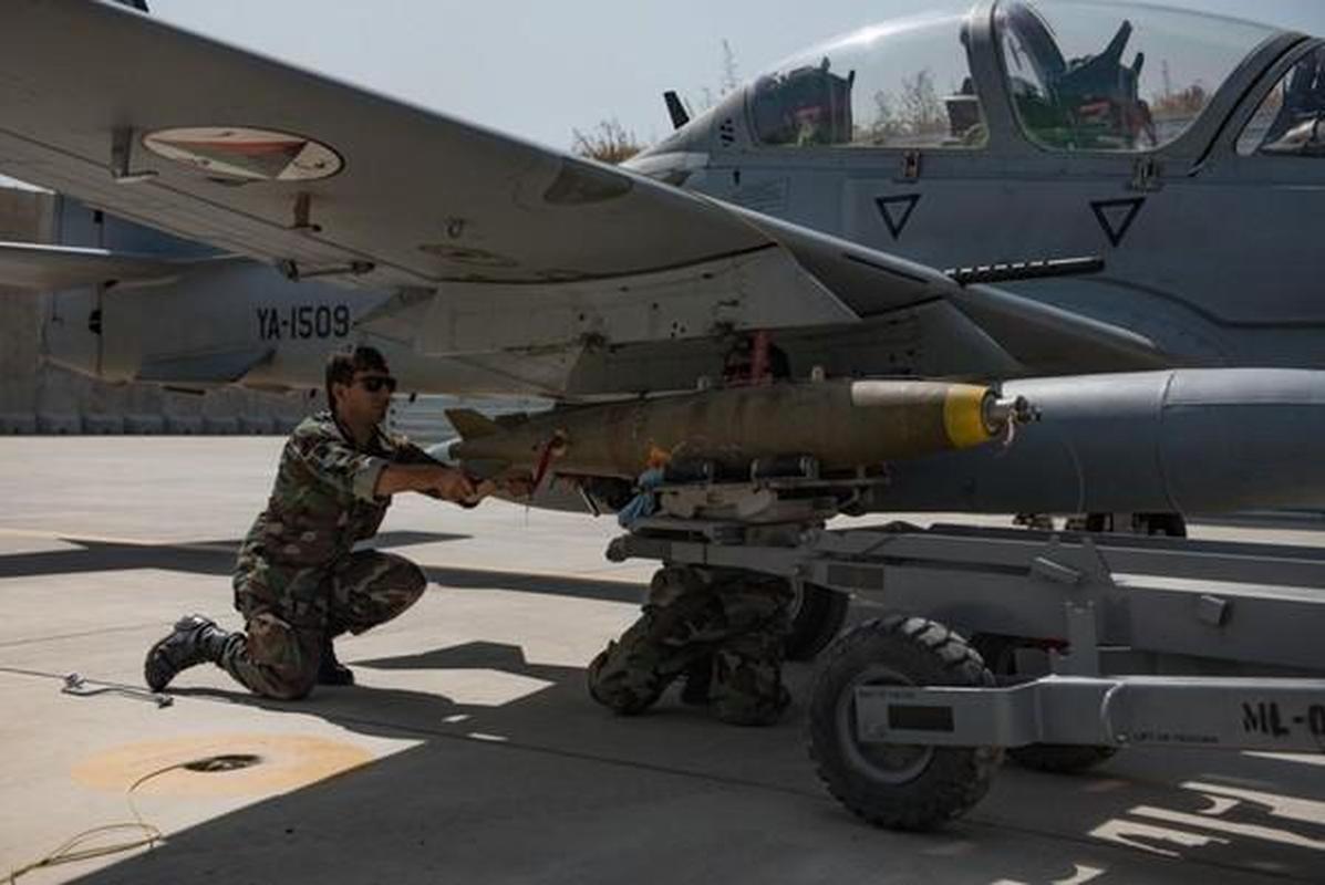 Taliban se kiem duoc hang chuc ty USD nho xuat khau vu khi My-Hinh-2