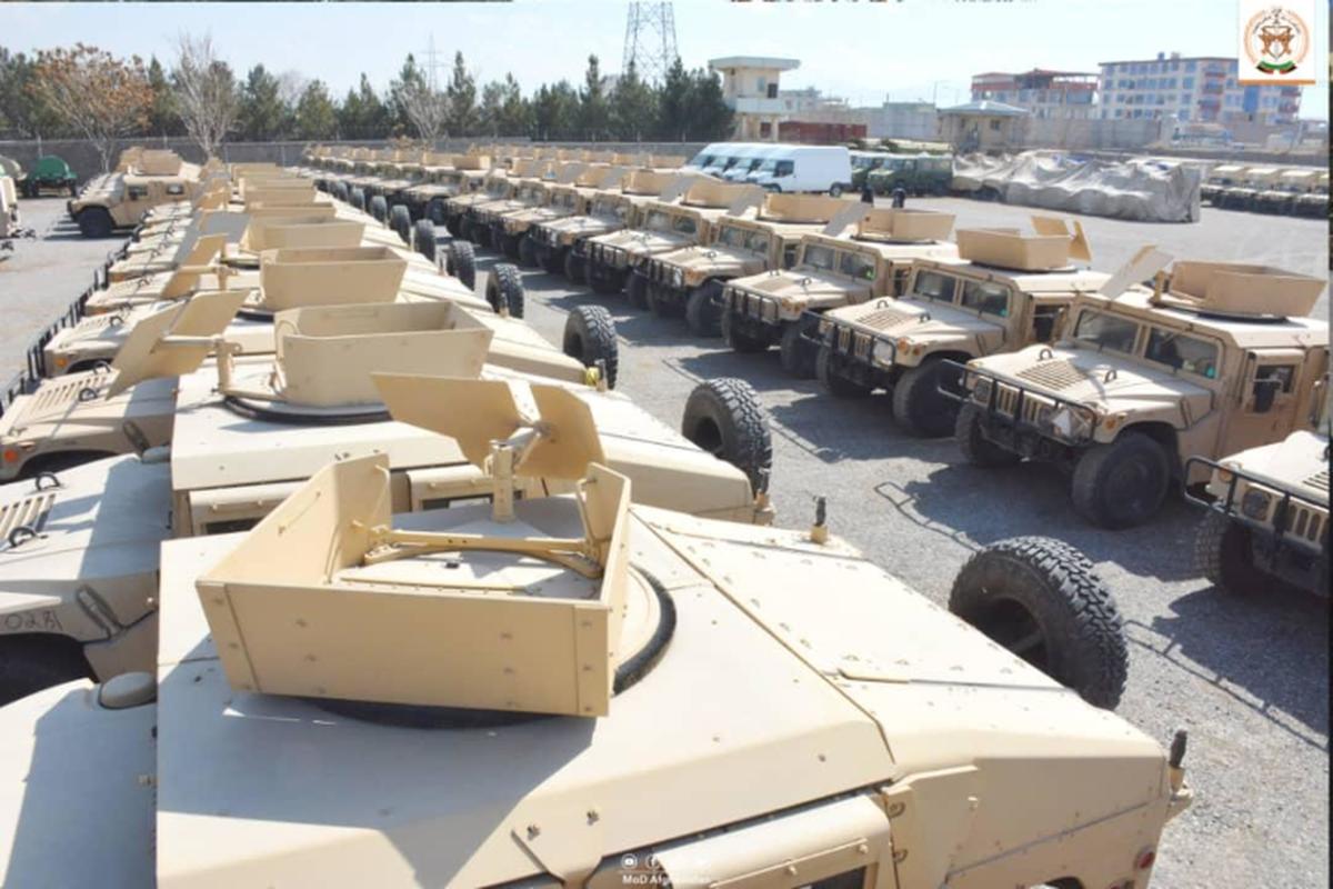 Taliban se kiem duoc hang chuc ty USD nho xuat khau vu khi My-Hinh-4