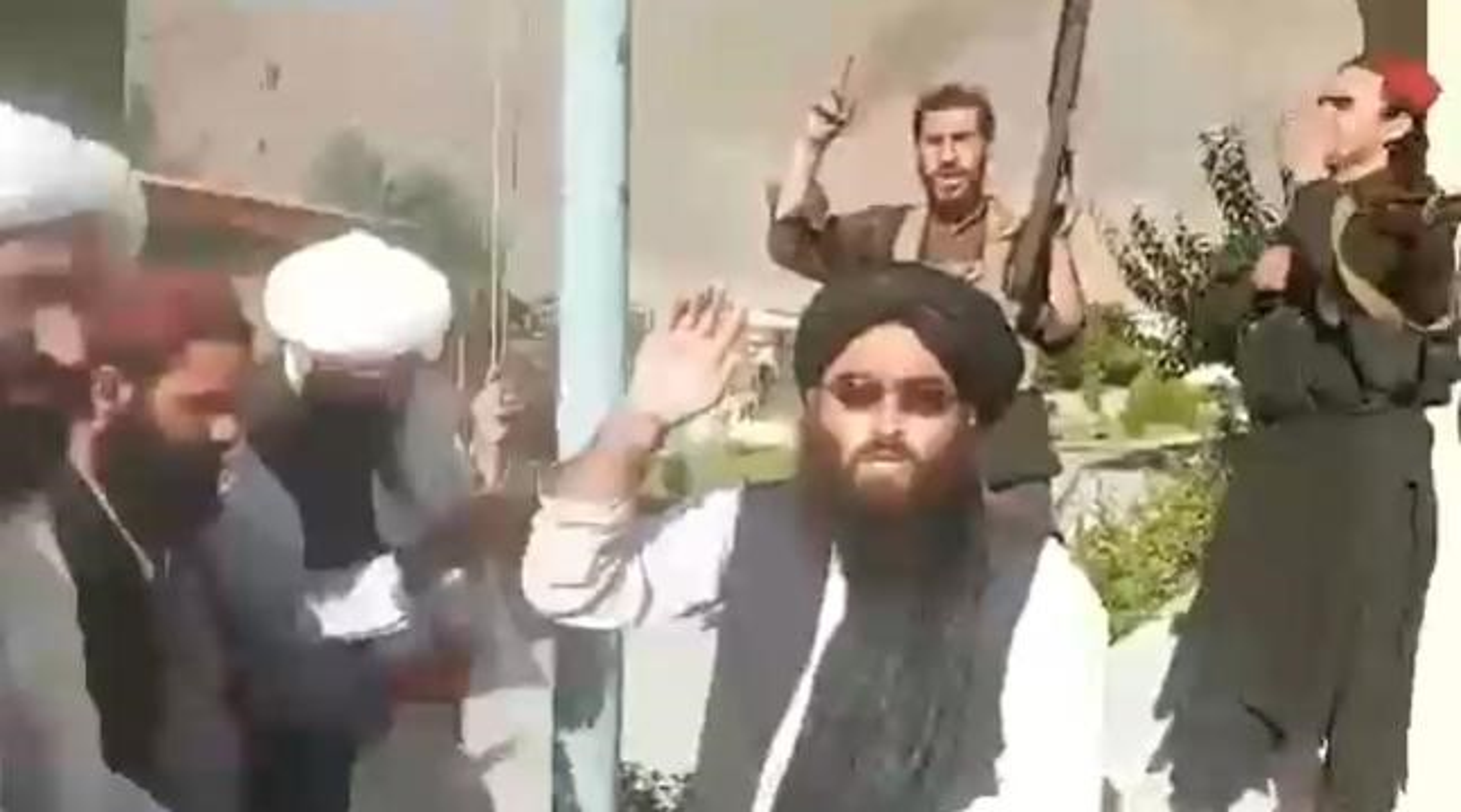 Thung lung Panjshir that thu, Taliban tuyen bo chien tranh cham dut-Hinh-2