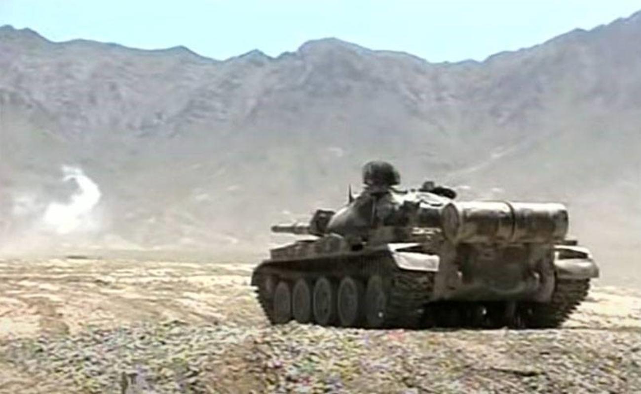 Soc: Taliban chiem 150 xe tang cua quan khang chien Afghanistan-Hinh-13