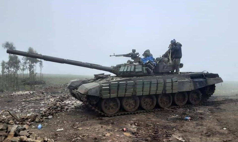 Cua thep T-72 bi 'lot mai' khi trung don hiem tu UAV chien dau Iran-Hinh-10