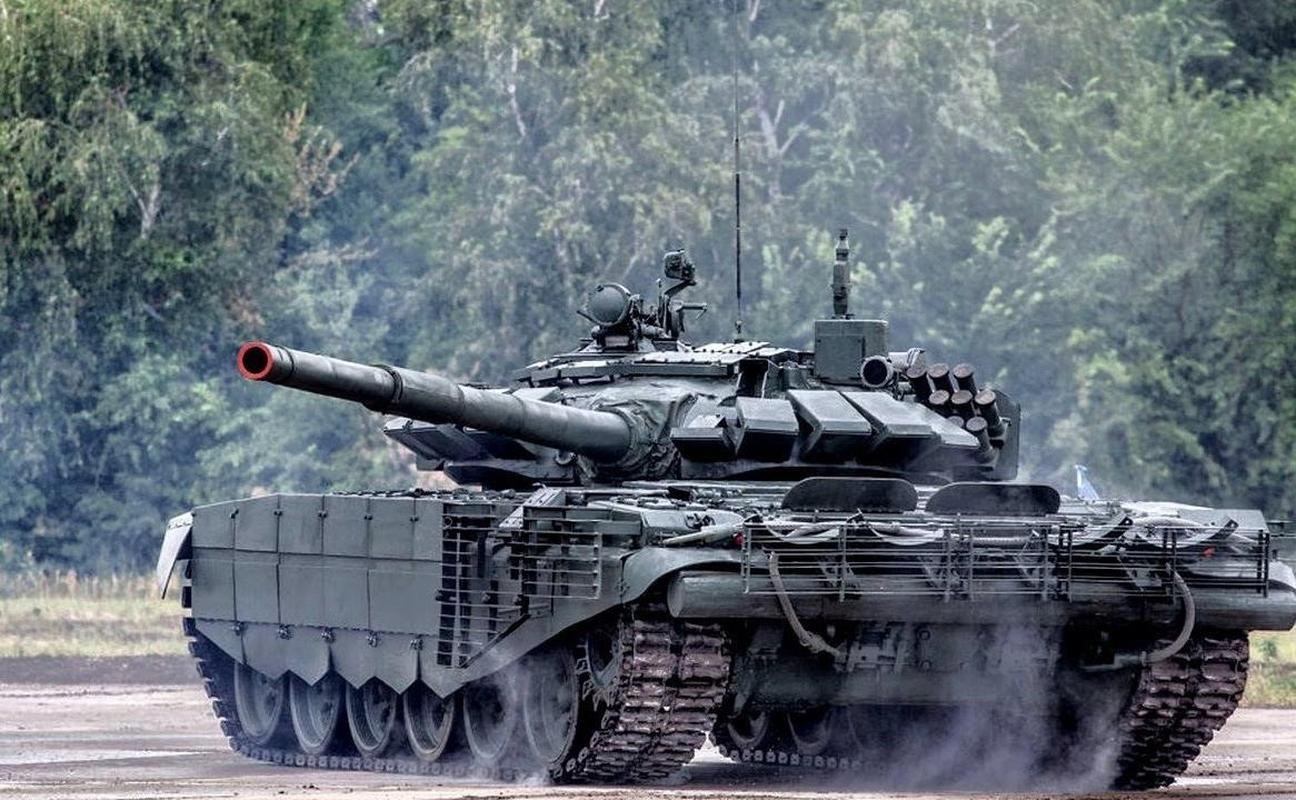 Nga bat ngo dieu 30 'sieu tang' T-72B3M ap sat bien gioi Afghanistan-Hinh-11